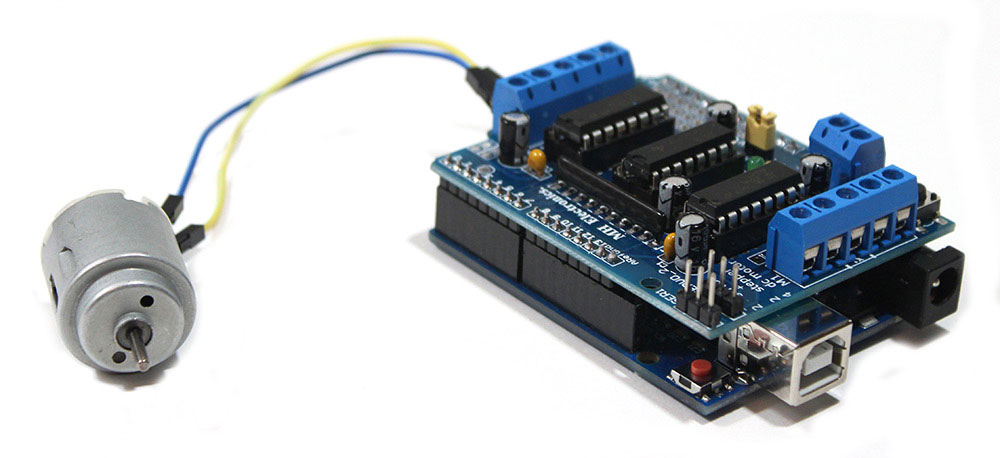 L293D Motor Shield with DC Motor